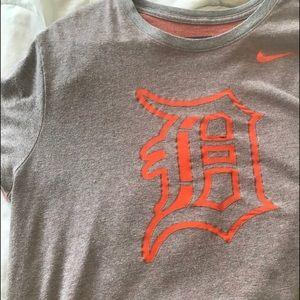 Nike Dri-fit Detroit Tigers tee.   G